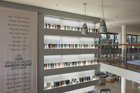 Verlagsgruppe Random House - Bücherwand